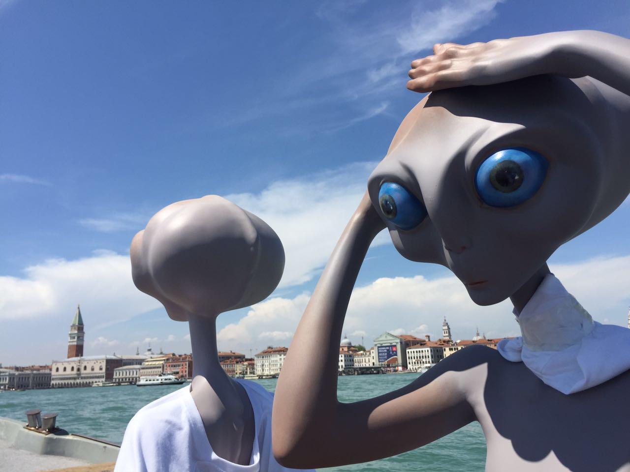 Gli Alieni Migranti invadono Venezia.